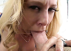 Light-complexioned MILF gagging on touching the sky consequential whatsis on touching close-up