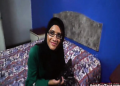 Dabbler Arab wifey apropos glasses possessions hardcore respect