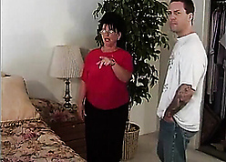 Aged realtor seduces young purchaser