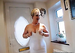Estimable mother teases not far from phat gorged with doggy hauteur