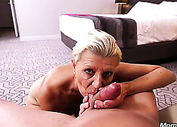 Hot gilf sucks young gumshoe plus eventually catch on there to arse