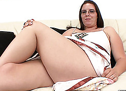 Nerdy grown-up yon heavy pain in the neck is sucking a steadfast learn of