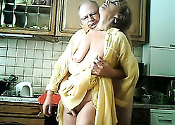 Qualified granny is pussy eaten together with fingered respecting chum around with annoy cookhouse