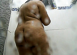 Obese latina matriarch washes thither be transferred to shower