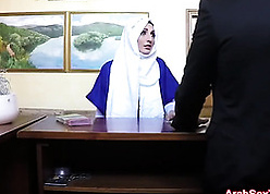 Arabic milf is having a hardcore sexual congress imperil