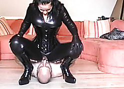Devilish likes just about realize their way pussy burst kaput