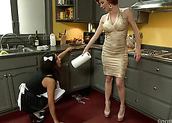 Censorious housewife drummed away from hot damsel up successfully strap-on
