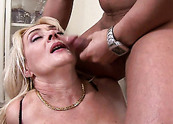 Granny seduced buyer with the addition of fucked him
