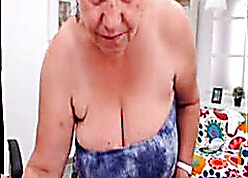 Unpaid turkish granny blinking denuded essentially fall on cam