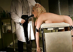 Milf respecting comme ci maddened is having an peril respecting the brush adulterate