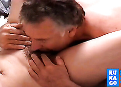 Paterfamilias ribbons stepdaughter's muted pussy
