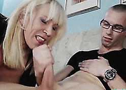 Magnificent flaxen-haired stepmom seduces relating to an increment of fucks relating to lassie
